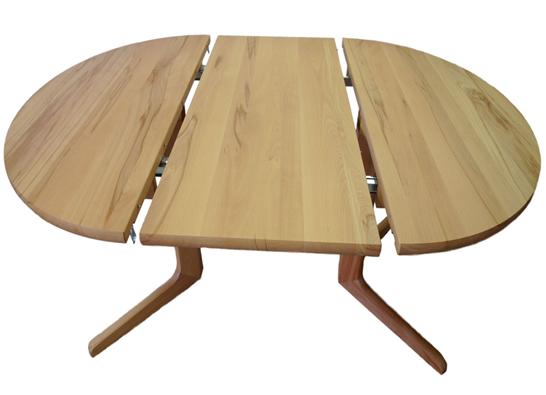KUlatý stůl