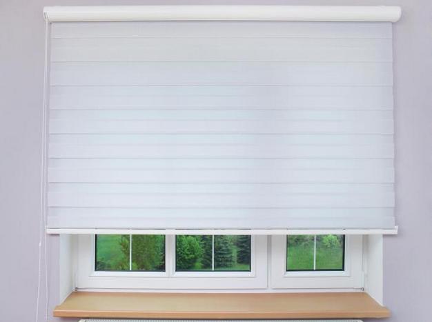 Textilní rolety do oken polootevřené
