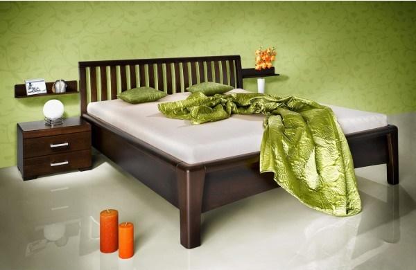 Manželská postel z masivu Carolina