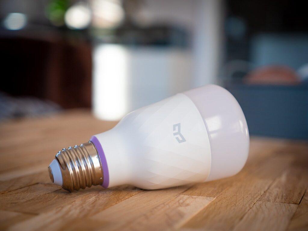 Chytrá žárovka